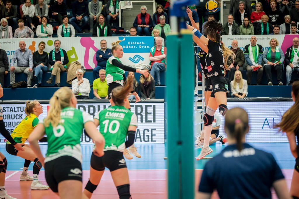 Volleyball-Frauenmannschaft, USC Muenster gegen Dresden, 27. November 2019